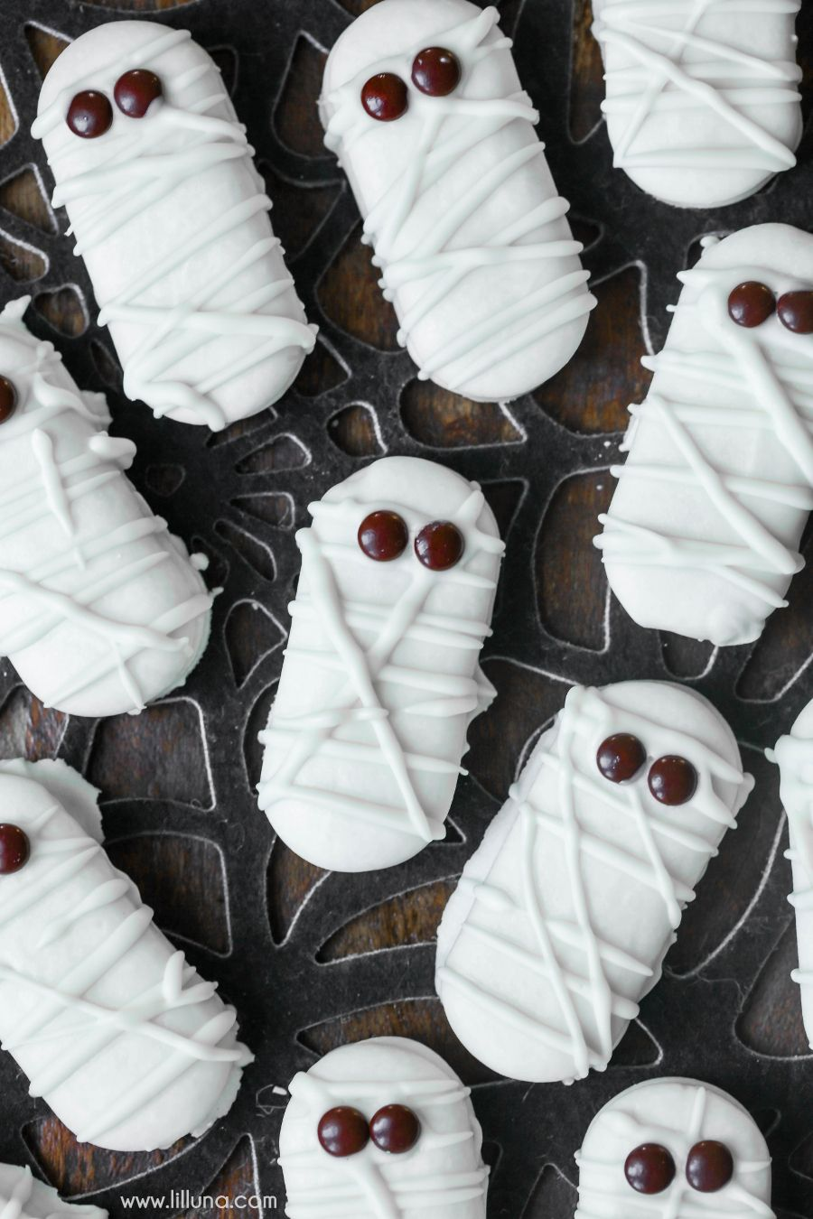 mummy cookies.jpg